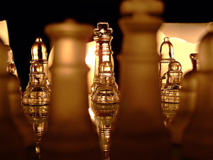 chess-by-candlelight-3-1312374-640x480